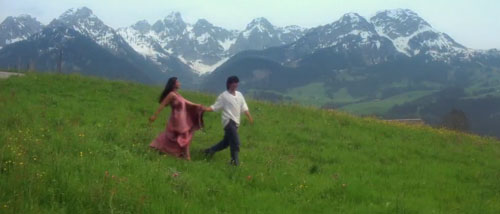 Dilwale Dulhania Le Jayenge full movie still