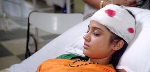 Pooja dies of falling