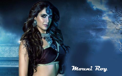 Mouni Roy in Naagin InsTube