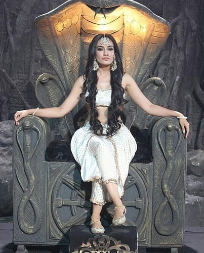 serpent Queen Bela TV show still InsTube