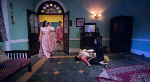 Tamsi gang appears Bela home Naagin S3E99 InsTube