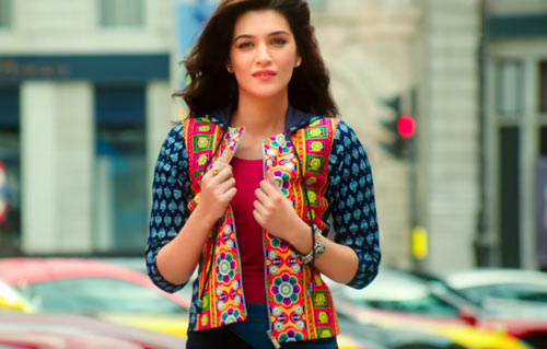 Kriti Sanon as Ishita in Dilwale