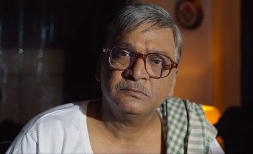 Rajendra Prasad as old Chanti