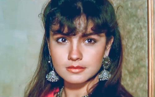 Pooja Bhatt as Pooja