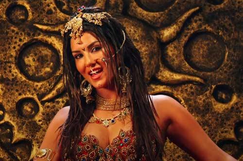 Sunny Leone as Leela
